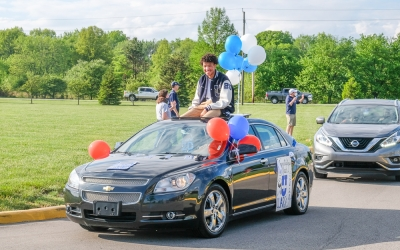 Welcome Home: Car Parade Brings Seniors Back to Campus